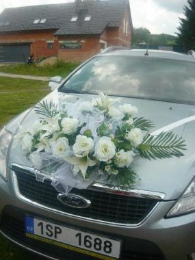 Květina na auto